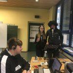 """Ein verspätetes """"Frohe Ostern"""" 🐰vom SchaltEin.FM Team aus der Mittelpunktschule"""